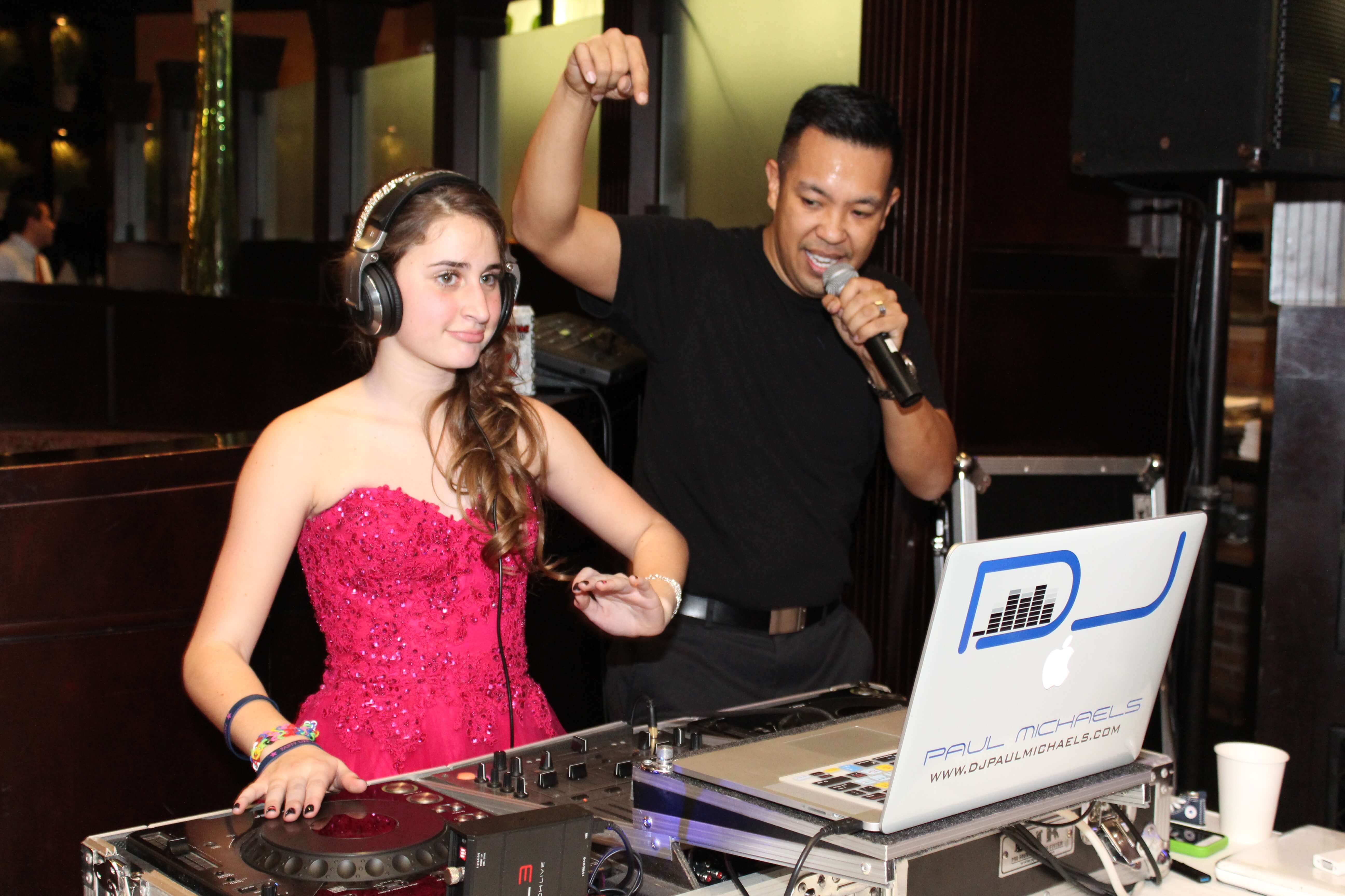 Carlucci Downers Grove Bat Mitzvah Jewish Party Cover Pic