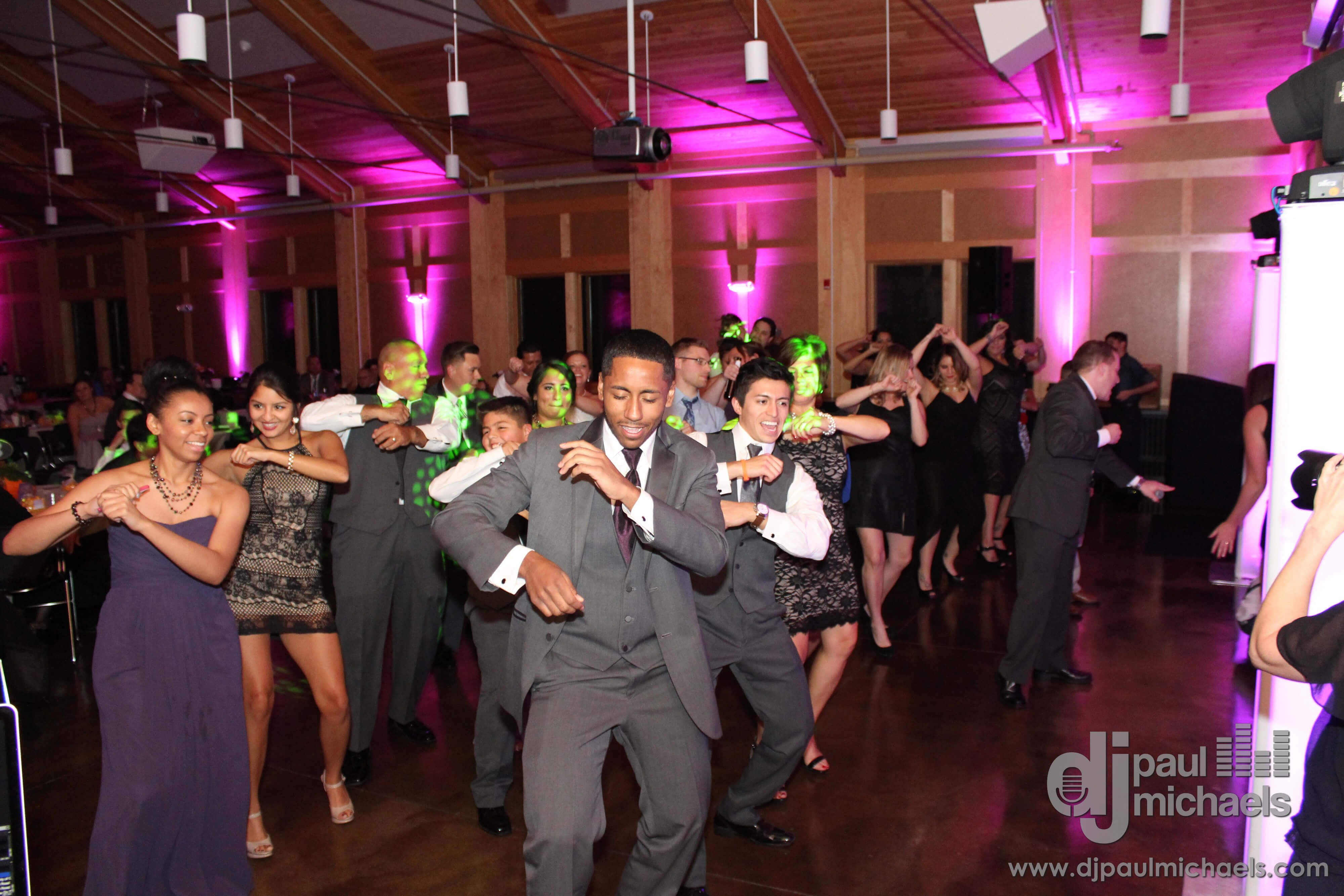 Four Rivers Channahon Great Wedding Dancing Blog Cover