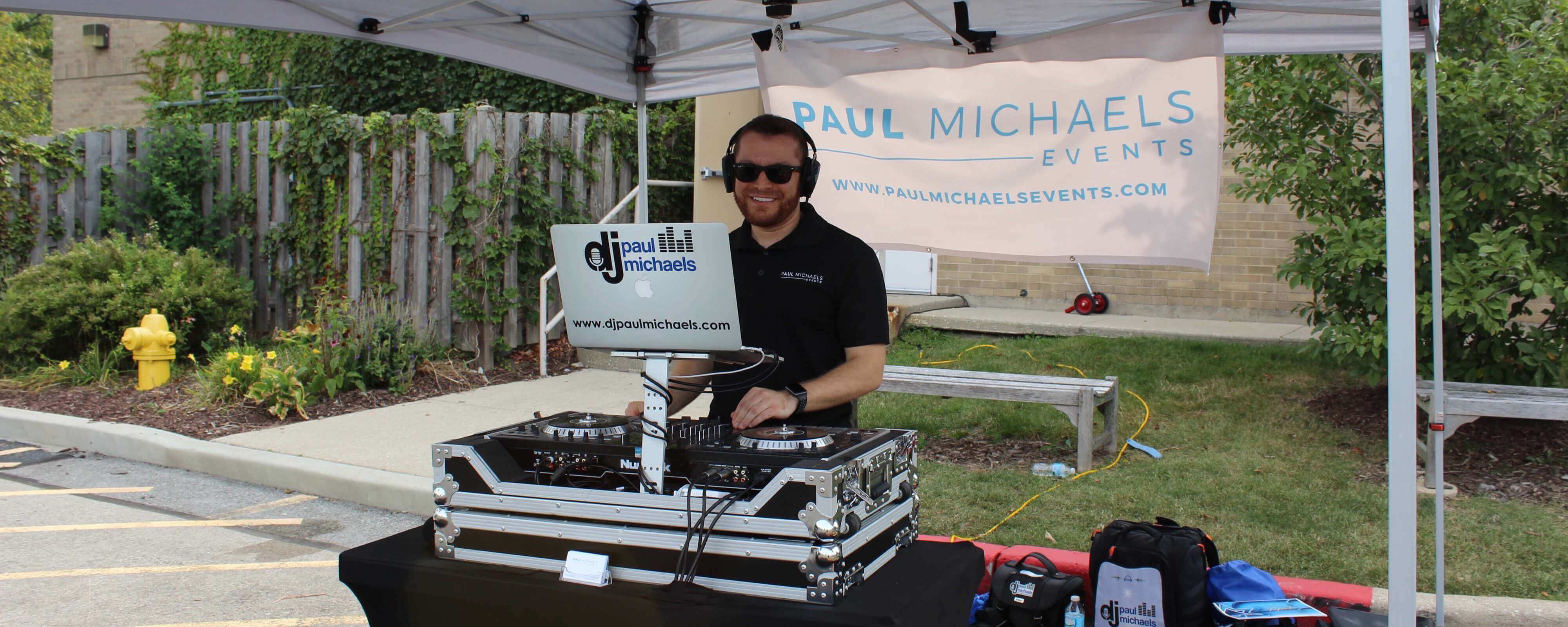DJ Paul Michaels at the Etz Chaim High Holiday Hustle 5K Philanthropic Event